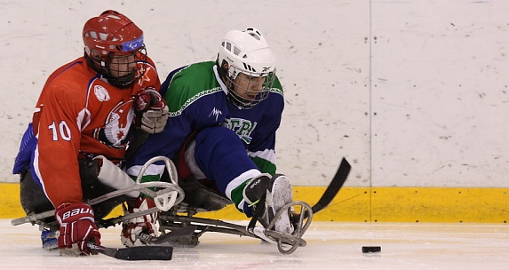 "SHC ""Ugra"" defeated Udmurtia team, one of the leaders of sledge hockey in Russia."